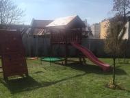 Óriás torony fa tetővel - Óriás mászófallal, mászóhálóval, fészekhintával - Kicsi rúd túllógással + 1 játékkal