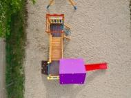Torony bástyával ferde híddal összekötve