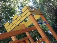 Iker tornyok középkori bástyával láncos híddal