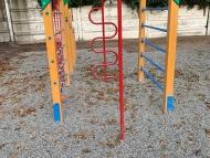 Nyújtóval kombinált négyoldalú mászóka