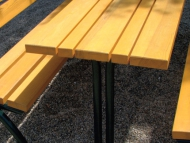 Egyszerű asztal